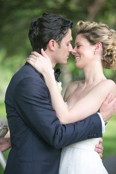 Photography: Lark Wedding Photography - larkphotos.com  Read More: http://www.stylemepretty.com/midwest-weddings/2014/03/04/inverness-illinois-family-backyard-wedding/