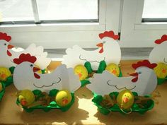 Crafts,Actvities and Worksheets for Preschool,Toddler and Kindergarten.Lots of worksheets and coloring pages. Farm Crafts, Daycare Crafts, Diy And Crafts, Easter Projects, Easter Crafts For Kids, Chicken Crafts, Basket Crafts, Diy Ostern, Easter Art