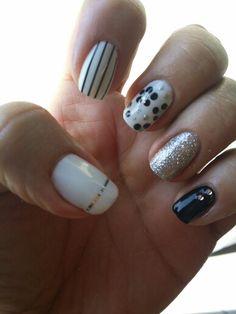 Gorgeous black and white nail art