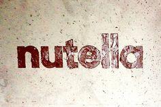 Les logos de grandes marques réalisés à partir d'échantillons de leurs propres produits !Il etait une pub – Le blog d'actualite publicitaire