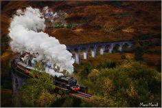 Jacobite Steam Train © Mario Maindl