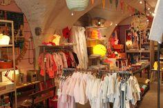 Bouton de soie; kidstore in Lourmarin France