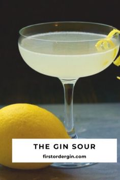 This simple and classic cocktail is easily made from gin, lemon juice, simple syrup, and bitters. The simplicity of the Gin Sour makes it easy to customize. Gin Cocktail Recipes, Sour Cocktail, Gin Lemon Cocktail, Alcoholic Drinks, Beverages, Drinks Alcohol, Yummy Drinks, Simple Gin Drinks, Fancy Drinks
