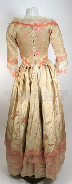 Katrina's Peach Gown from Sleepy Hollow. Design by Colleen Atwood #propstore.co.uk