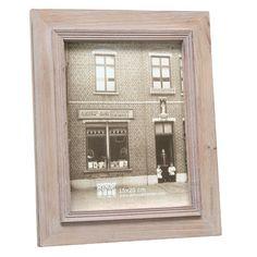 Kaufen Sie bei Wayfair.de folgendes Produkt: Bilderrahmen. Produkteigenschaften:Material: Holz und NormalglasFarbe: NaturHorizontal oder vertikal aufhäng- und aufstellbarMit AufstellerKünstlich gealtert: NoMaße:Gesamtgewicht (Größe (Bild): 18 cm H x 13 cm B): 0.