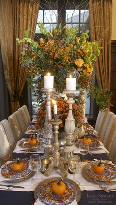 -Fall/Autumn, Thanksgiving holiday tablesetting inspiration. - Elegant.. perhaps without the huge middle arrangement.