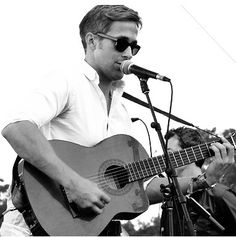 And just when we all thought he couldn't get any hotter...I give you, Ryan Gosling on the guitar