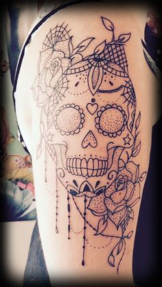 50 Stunning Sugar Skull Tattoo Design Ideas & Their Meanings - 50 Best Sugar Skull Tattoo Designs & What The Tattoos Mean Skull Thigh Tattoos, Mexican Skull Tattoos, Sugar Skull Tattoos, Sleeve Tattoos, Sugar Tattoo, Hand Tattoos, Mexican Skulls, Trendy Tattoos, Cute Tattoos