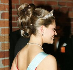 Crown princess Victoria's Nobel-hairstyle from 1997