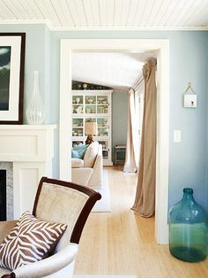 Clean and Classy             Light blue, brown, and beige create a sophisticated palette.