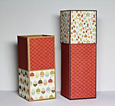 Für zwei der Kerzen aus dem gestrigen Post habe ich noch eine Verpackung gebastelt. Es ist diese wundervolle selbstschließende Box gewo...