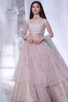 Gown Party Wear, Party Wear Indian Dresses, Indian Wedding Gowns, Pakistani Fashion Party Wear, Pakistani Wedding Outfits, Indian Bridal Outfits, Indian Gowns Dresses, Indian Fashion Dresses, Party Wear Lehenga