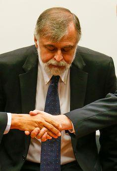 BRASILIA, DF, BRASIL, 05-05-2015, 15h00: Depoimento do ex diretor de abastecimento da Petrobras Paulo Roberto Costa na CPI da Petrobras na câmara. O deputado Hugo Motta (PMDB-PB) preside a sessão e o relator é o dep. Luiz Sergio (PT-RJ). (Foto: Pedro Ladeira/Folhapress, PODER)