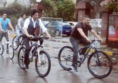 http://www.todayview.co/1354/srk-sallu-bhai-reunion-big-moment/