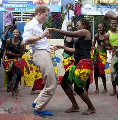 Príncipe Harry, azul e as cores da Jamaica