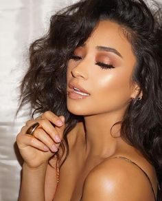 shay mitchell hair makeup style fashion outfits you tv show pretty little liars bob long bob brunette hairstyles smokey eye makeup looks Shay Mitchell on Her New Show 'You' Glam Makeup, Formal Makeup, Bridal Makeup, Wedding Makeup, Makeup Tips, Makeup Style, Makeup Ideas, Makeup Products, Makeup Goals