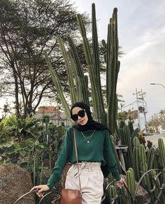 Modern Hijab Fashion, Street Hijab Fashion, Hijab Fashion Inspiration, Muslim Fashion, Modest Fashion, Korean Fashion, Fashion Outfits, Casual Hijab Outfit, Cute Casual Outfits