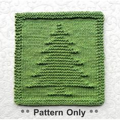 CHRISTMAS TREE Knit Dishcloth pattern by Aunt Susan. CHRISTMAS TREE Knit Dishcloth pattern by Aunt Susan. Easy knit & purl directions with row-by-row written instructions is. Knitted Dishcloth Patterns Free, Knitting Squares, Knitted Washcloths, Knit Dishcloth, Easy Knitting Patterns, Hand Knitting, How To Purl Knit, Knit Purl, Handmade Christmas Tree