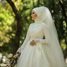 Günaydınlar Wedding Day Wedding Planner Your Big Day Weddings Wedding Dresses Wedding bells Bridal Hijab, Muslim Wedding Dresses, Hijab Bride, Muslim Brides, Wedding Hijab, Bridesmaid Dresses, Muslim Couples, Dress Wedding, Wedding Bells