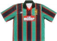 Aston Villa Away my first Villa top I was brought. New Football Shirts, Football Kits, Team Shirts, Football Jerseys, Vintage Jerseys, Vintage Football, T Shirt Yarn, T Shirt Diy, Aston Villa Fc
