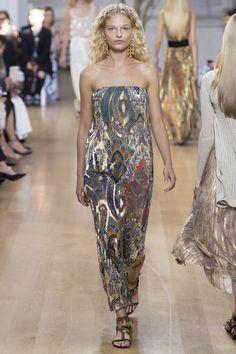 Oscar de la Renta Spring 2017 Ready-to-Wear Fashion Show - Frederikke Sofie