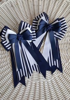 Hey, I found this really awesome Etsy listing at https://www.etsy.com/listing/245215965/equestrian-girl-horse-show-bows-navy-and
