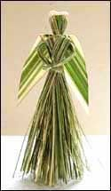 NZ flax weaving blog » Blog Archive » Making a flax angel Palm Frond Art, Palm Fronds, Christmas Floral Designs, New Zealand Flax, Leave Art, Corn Dolly, Flax Weaving, Coconut Leaves, Flax Flowers