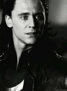 Tom Hiddleston.... LOKI....OH HE'S BEAUTIFUL!!!!