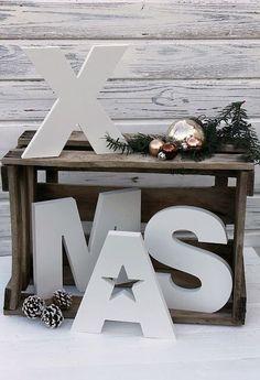 ..kerstmis kist en letters …