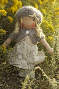 Waldorf doll  poupée