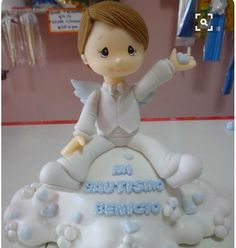 Ideas Para Fiestas, First Holy Communion, Pasta Flexible, Cold Porcelain, Cake Art, Christening, Cake Toppers, Biscuit, Clay