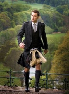 Tartan kilt by Lochcarron of Scotland, one of the mills located in the Scottish Border country Scottish Man, Scottish Tartans, Scottish Decor, Scottish Dress, Scottish Fashion, Flick Flack, Style Anglais, Tartan Kilt, Tartan Men