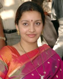 Who threatened Renu Desai? - read complete story click here.... http://www.thehansindia.com/posts/index/2015-03-03/Who-threatened-Renu-Desai-135127