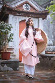 Vietnamese Clothing, Ao Dai Vietnam, Vietnam History, Handsome Boys, Raincoat, Asian, Dance, Costumes, Shirt Dress