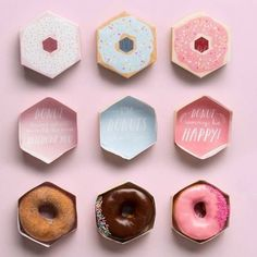 In the event that you are looking for custom donut boxes. Contact the food packaging .In the event that you are looking for custom donut boxes. Contact the food packaging experts at Food Packaging Boxes Food Box Packaging, Dessert Packaging, Bakery Packaging, Cookie Packaging, Food Packaging Design, Packaging Design Inspiration, Brand Packaging, Cute Packaging, Packaging Ideas