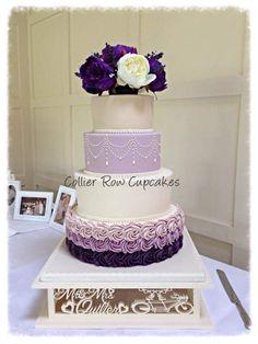 wooden classy stylish cake stand