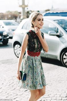 Kiernan Shipka in Valentino - Paris Fashion Week Spring-Summer 2016 #PFW #StreetStyle