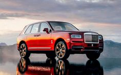 Checkout Rolls-Royce Cullinan Images taken by auto experts at CarWale. View Interior, Exterior and Beauty Shot photos of Rolls-Royce Cullinan India. Voiture Rolls Royce, Rolls Royce Suv, New Rolls Royce, Luxury Car Brands, Best Luxury Cars, Luxury Suv, Motor V12, Rolls Royce Cullinan, Arquitetura