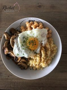 Yummy Salty ↠ œuf, quinoa, pois chiche et champignon Plats Healthy, Vegetarian Recipes, Healthy Recipes, One Pot Pasta, Batch Cooking, Vegan Dishes, Healthy Drinks, Food Inspiration, Love Food