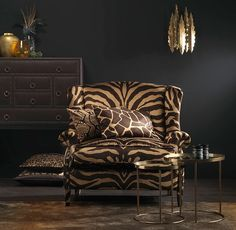 New Living Room Wood Classic Ideas Animal Print Furniture, Animal Print Decor, Animal Prints, Classic Home Decor, Classic Interior, Living Room Paint, Living Room Decor, Living Colors, African Home Decor