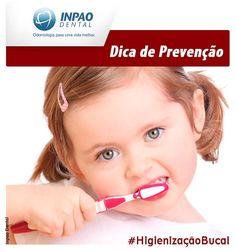 Crianças até 3 anos de idade devem usar pastas sem flúor, pois a ingestão excessiva deste componente pode levar a intoxicação.  #dentista #odontologia #higienizaçãobucal