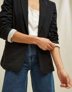 Mirren ist das sommerliche Pendant zum Blazer Eileen. Du kannst diesen Blazer aus Biobaumwolle schicker für die Arbeit tragen oder mit einem T-Shirt … Chino Shorts, Bikini, Blazer, Mantel, Suits, Fashion, Viva Mexico, Swimsuit, Chic