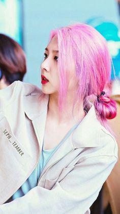 Queria ter um pouco da beleza que Jiwoo tem...♡