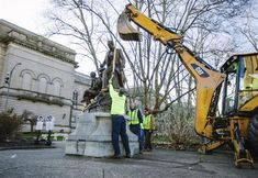 """A statue of """"Oh! Susanna"""" songwriter Stephen Foster was removed from a Pittsburgh park Thursday after criticism that the work is demeaning because it includes a slave sitting at. Famous Songwriters, Pittsburgh Art, Stephen Foster, Entertaining, City, Reference Book, Monuments, Statues, Peace"""