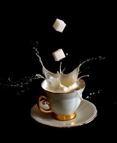 Creative photographer Egor N presented a series of photographs titled Coffee time. Photographs taken by high speed photography, captured the beauty of splashes and sprays of milk.