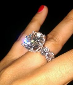 Floyd Mayweathers fiances' ring made out of a 150 karat diamond.