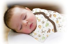 Swaddling newborn baby sleeping bag cotton blanket wrap blankets similar to Swaddleme baby products 9 colors size S and L Wearable Blanket, Baby Swaddle, Baby Newborn, Swaddle Blanket, Monkey Business, Baby Wraps, Cotton Blankets, Nursery Bedding, Cotton Bag