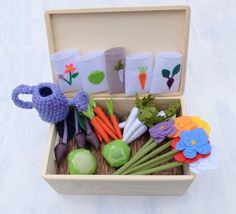 Felt Fabric Vegetable Garden Play Set, Toy MiniGarden, Pretend Veggies Big Set, For Kids, Vegetable Patch with Watering Can & Seed Packs  This big vegetable patch is ready for spring! In the beginning you shopuld seed vegetables - so this set contains 5 seed packs! Please seed carrots, parsnips, lettuces, beets and colorful flowers. The seed need water - so the watering can is attached too! In this set you have 6 carrots, 5 parsnips, 3 beets, 2 heads of lettuce, 6 flowers, 5 packs for seeds…