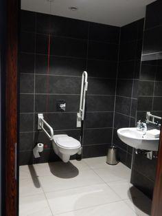 Barrierefreie Toilette im Hotel Bayside.