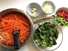 dieta dr dąbrowskiej makaron koreański Carmel Hair, Loose Weight, Vegan Vegetarian, Spinach, Recipies, Food And Drink, Snacks, Dinner, Vegetables